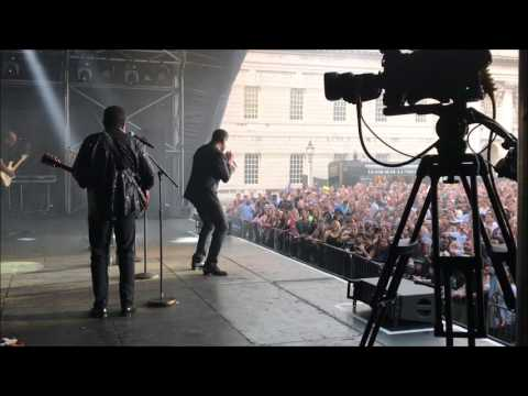 """The Jacksons """"J5 Medley"""" live at Greenwich Music Time in London"""