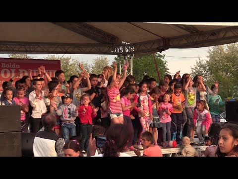 Lorenna spectacol Boldu Buzau Paduricea (telefon pt evenimente artist 0728222533)