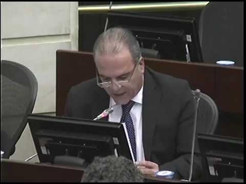 """""""Santos en Europa mientras fusiles de las Farc siguen en la nuca de los colombianos"""""""