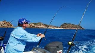 Spanish Mackerel Fishing Video At Three Rocks!! Great Barrier Reef!!