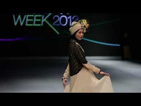 Aprilia Collections Fashion Show at Indonesia Fashion Week 2013