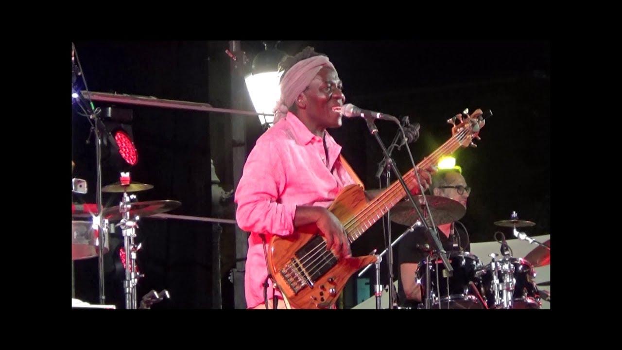 Richard Bona, Mandekan Cubano - Live Toulon