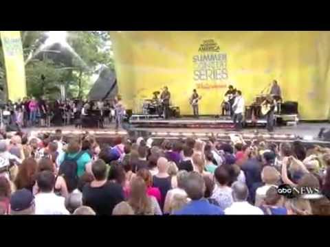 Reba McEntire I M A Survivor Live Good Morning America 08 21 09