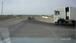 Взрыв шины у грузовика.(http://kilometr.by/ - Полуприцеп., 2012-09-11T08:54:46.000Z)