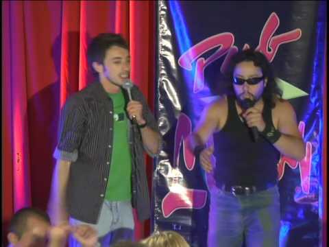 Cita grupal: Karaoke del amor | Amor Ciego