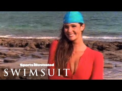 Swim Daily Throwback Thursday: Elle Macpherson in Australia