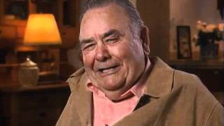 Jonathan Winters discusses working with Dean Martin - EMMYTVLEGENDS.ORG