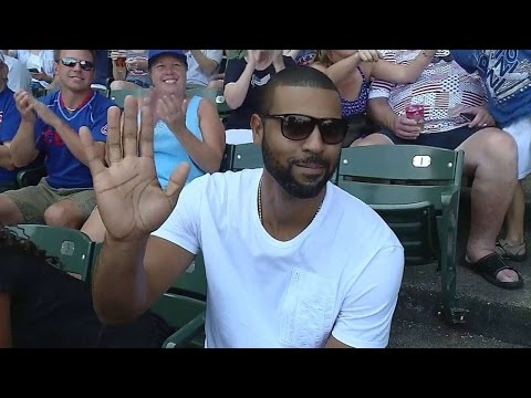 ARI@CHC: Former Cub Lee at Wrigley for his birthday