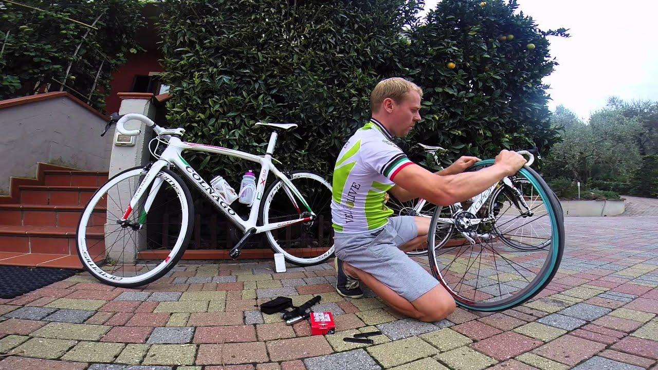 Замена камеры на шоссейном велосипеде - YouTube