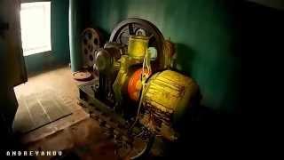 Старый лифт с двигателем АС-62 на лапах(Пассажирский лифт 0.65 м/с, 350 кг., 2014-12-08T17:35:07.000Z)