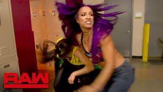 Bayley and Sasha Banks brawl backstage: Raw, March 26, 2018 thumbnail