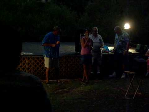 08 Summershine 2007 (15 Brandi & Dad sing @ Karaoke again)