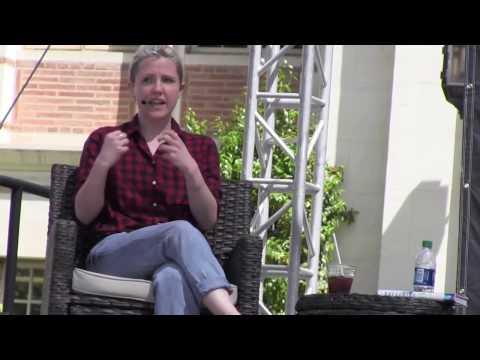 Hannah Hart Buffering Bookfest Interview / Meeting Hannah Hart USC