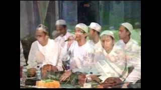 Halla Robi' Majlis Maulid Al Habsyi - majlis Dzikir Darul Ikrom Kedanyang Gresik 2013