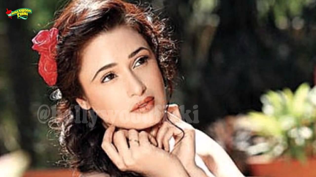 Watch Yuvika Chaudhary video