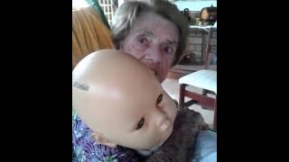 Mesmo com atrofia  cerebral ela corrige o bebê ...