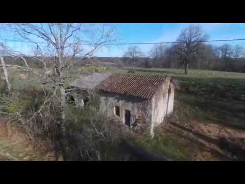 Land with permissions to renovate and extend an ancient property, situated in the Dordogne