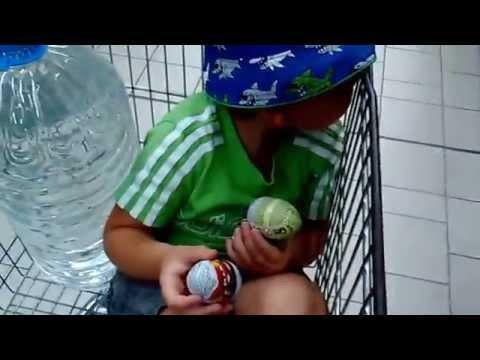 Supermarket, Kinder surprise, toy cars Hot Wheels. В супермаркет, Киндер Сюрприз, машинки Хот Вилз