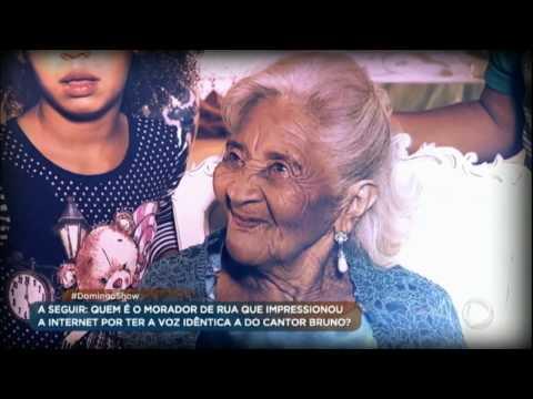 Idosa ganha festa de aniversário de 100 anos, após a vida sem comemorações