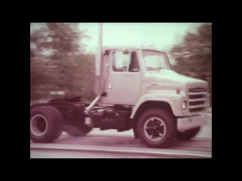 International Harvester Medium Medium Heavy S-Series Trucks Dealer Smoker (1979)