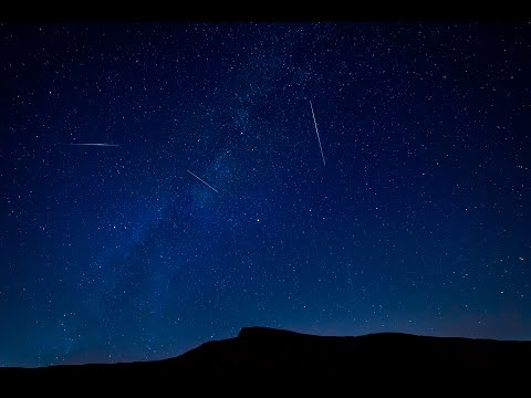 Stunning Perseid meteor shower time lapse of shooting stars and the Milky Way