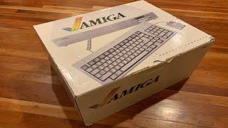 "1985 Commodore Amiga 1000 ""New In Box"" Unboxing in 2020!"