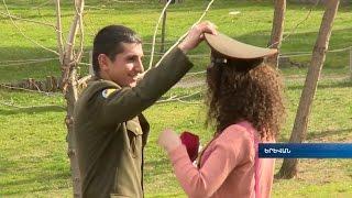 Զինծառայողները տոնական համերգով շնորհավորեցին Մայրերի տոնը