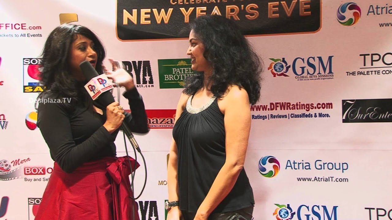 Shalini Mittal of Meraboxoffice Speaking at Red Carpet.
