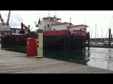 Split Two hopper barge - manoeuvring in a tight marina #2