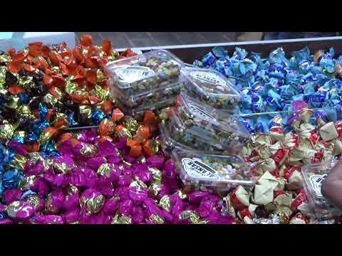 Di Madinah, terdapat banyak area subur dan oase-oase (mata air) yang dapat ditanami buah dan sayur-s.