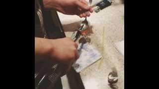 Как пить абсент(В основном абсент пьют как напиток под названием SHOT. В этом видео я делаю коктейль на основе ликера амарето,..., 2015-02-26T19:02:17.000Z)