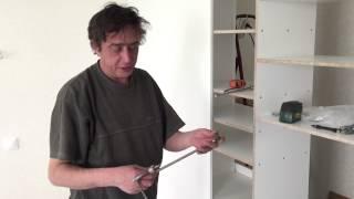 Сделать встроенный шкаф купе своими руками видео. Необходимый инструмент(Шкафы-купе появились достаточно давно. В середине 50-х годов XX века этот вид мебели был одним из самых продав..., 2015-06-08T21:54:50.000Z)