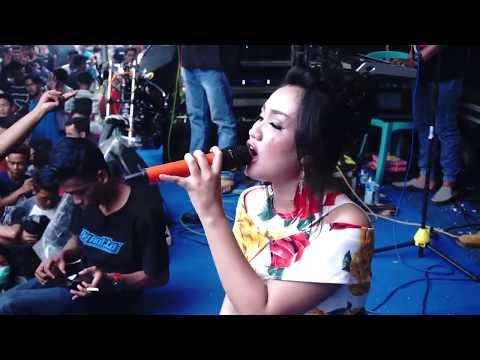 House  goyang 2 jari mantap Jogetannya Yeny Falen NEVADA LIVE BUGEL 2018 thumbnail