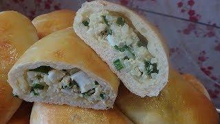 Пирожки печеные с яйцом, рисом и зеленым луком