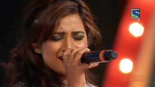 Chikni Chameli | Shreya Ghoshal's Live Performance at Umang 2013