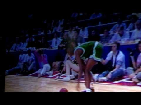 85ccdcc1a42add Dee Brown Pumps His Reeboks Wins 1991 NBA Dunk Contest Video - YouTube