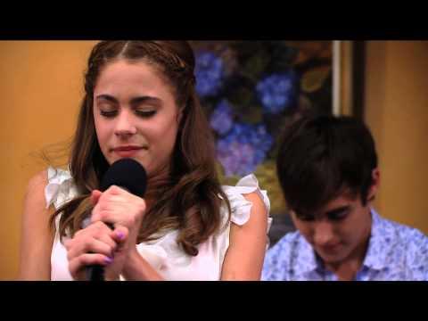 """Seriál Violetta na Disney Channel - Violetta zpívá """"En Mi Mundo"""