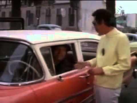 Don Ramon haciendo de Gay en Pelicula