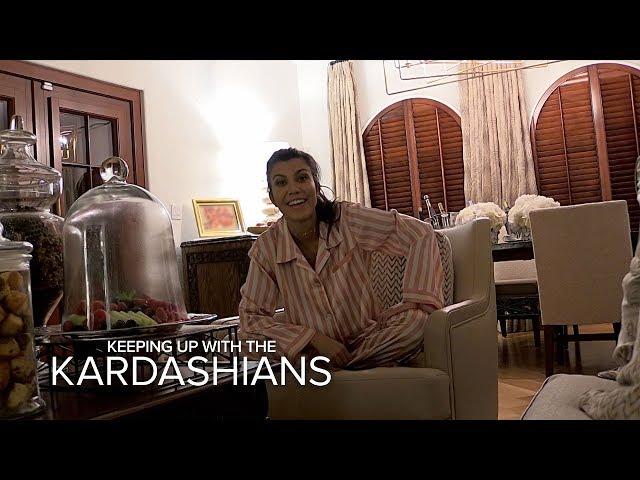 KUWTK | Kourtney & Khloe Kardashian Prank a Sleeping Kendall Jenner | E!
