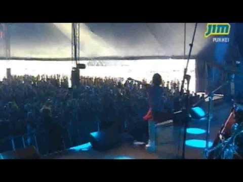 Charli XCX - I Love It @ Pukkelpop 2013