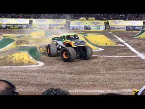 Monster Jam El Paso Vlog March 4th 2017 full racing & freestyle