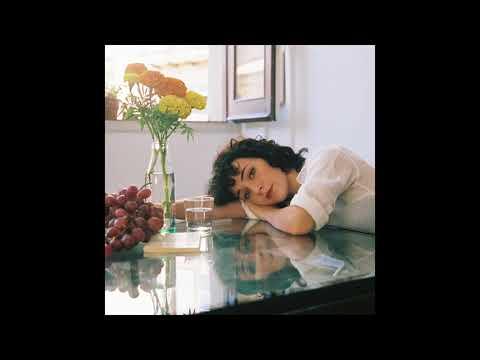 Núria Graham - Smile on the Grass