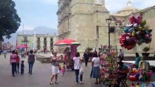 zocalo plaza mayor oaxaca mexico