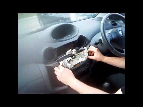 Radio Removal Toyota Yaris (1999-2005) | JustAudioTips