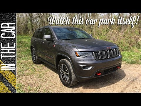Watch this car park itself! Park Assist in the Jeep Grand Cherokee Trailhawk