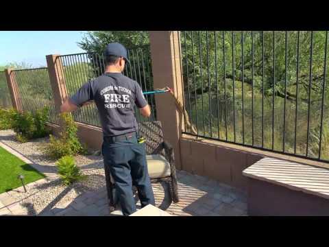 Corona de Tucson Fire Department rattlesnake remov