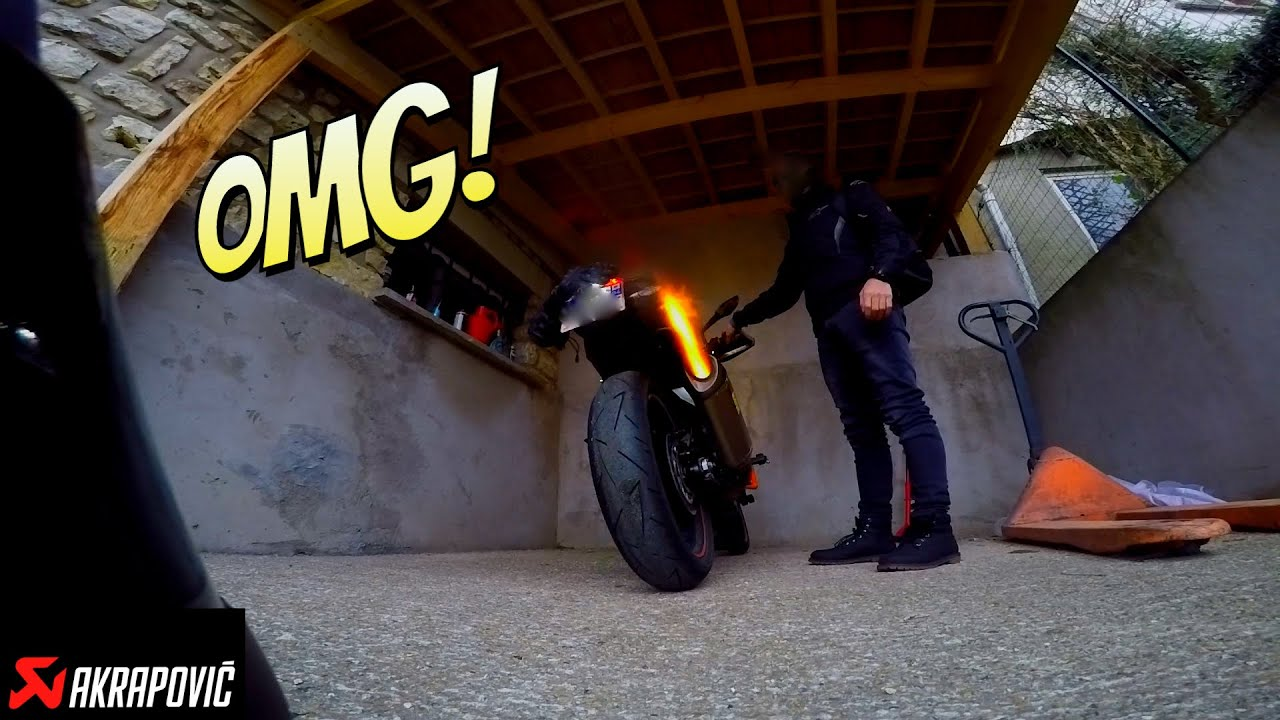 ktm duke 125 akrapovic exhaust sound big flames youtube. Black Bedroom Furniture Sets. Home Design Ideas