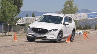 Mazda CX-5 2017 - Maniobra de esquiva (moose test) y eslalon | km77.com