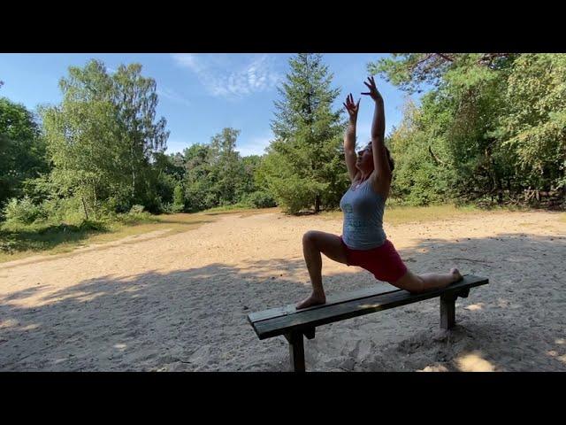Laat je energie weer stromen met de Do-In Yoga Holiday Qi-Flow Salutation, de meridianenflow kata