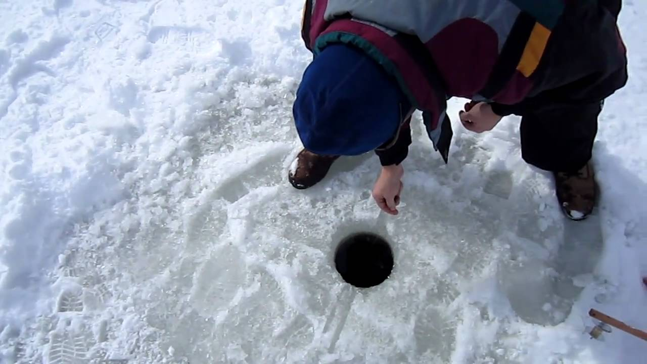 Ice fishing in lake county illinois youtube for Illinois ice fishing reports